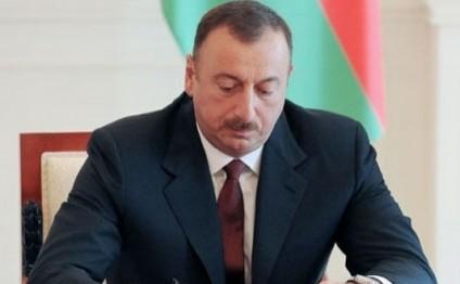 """Prezident """"Lisenziyalar və icazələr haqqında"""" qanunu təsdiq etdi"""