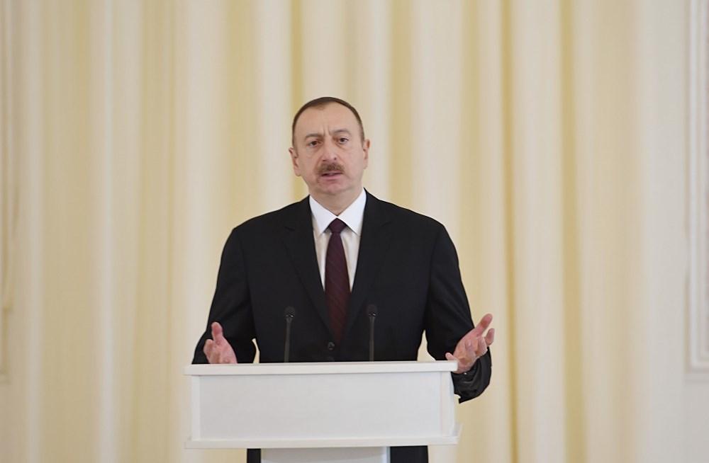 Azərbaycan Prezidenti İlham Əliyev Respublika Günü münasibətilə rəsmi qəbulda iştirak edib