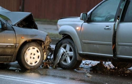 İki taksi toqquşdu - 6 nəfər yaralandı