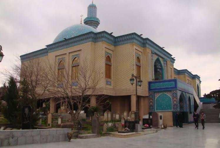Qədr gecəsi Mir Mövsüm Ağa ziyarətgahında biabırçılıq