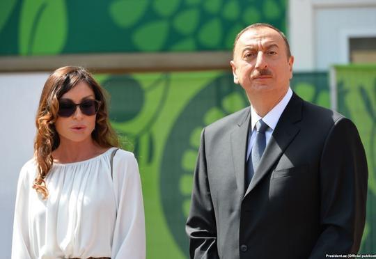 İlham Əliyev və birinci vitse-prezident forumda iştirak edir