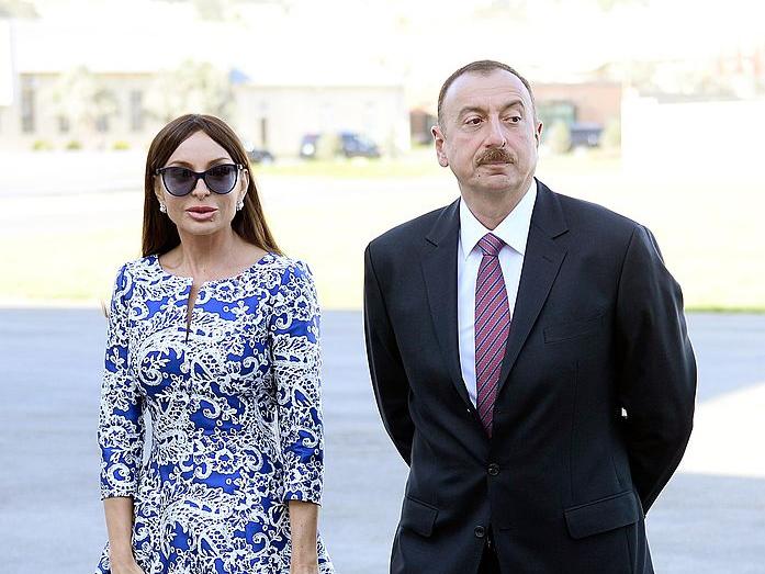 İlham Əliyev və Mehriban Əliyeva mədəniyyət xadimləri ilə görüşdülər