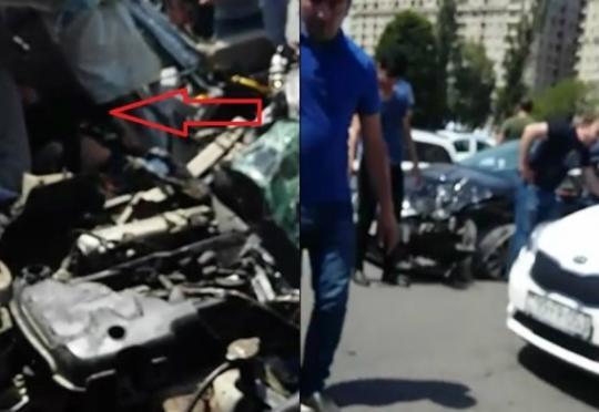 """Bakıda dəhşətli qəza: """"Lexus"""" prospekti qan gölünə çevirdi"""