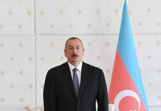 İlham Əliyev meksikalı həmkarını təbrik edib