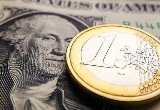 "Avropa dollara ""yox"" deyir"