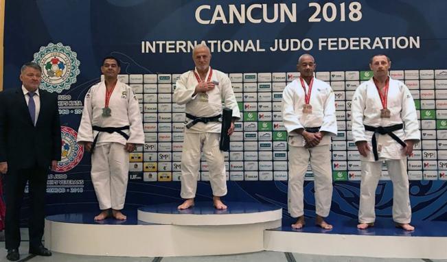 Fərhad Rəcəbli 8-ci dəfə dünya çempionu oldu