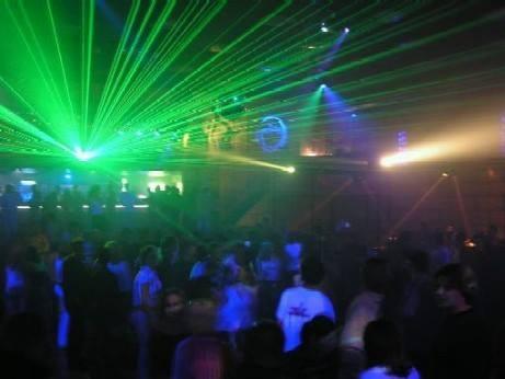 Bakının mərkəzində disko-bardaYANĞIN