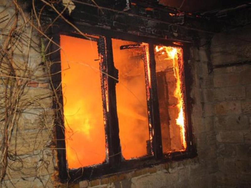 Kürdəmirdə dəhşətli yanğın: ev sahibəsi yanaraq öldü
