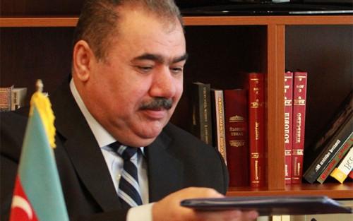 Arif Alışanov AzTV-dən çıxarıldı