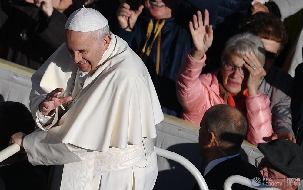 Papa Rumıniyaya gedir