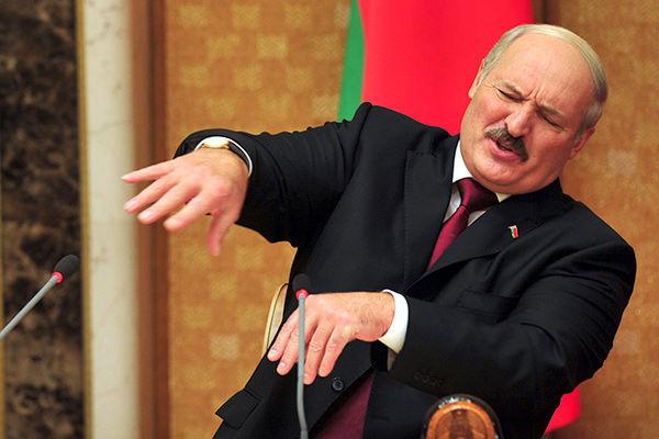 Belarusda qadınlar ərlərini niyə evdən qovur?