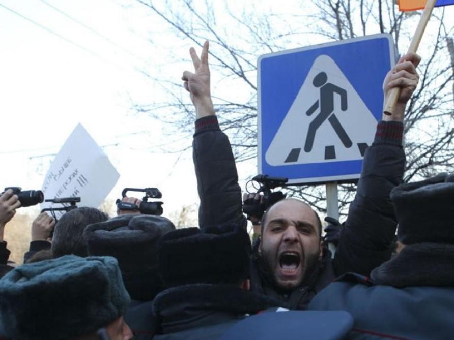 Yerevanda avtobus sürücüləri tətil edirlər