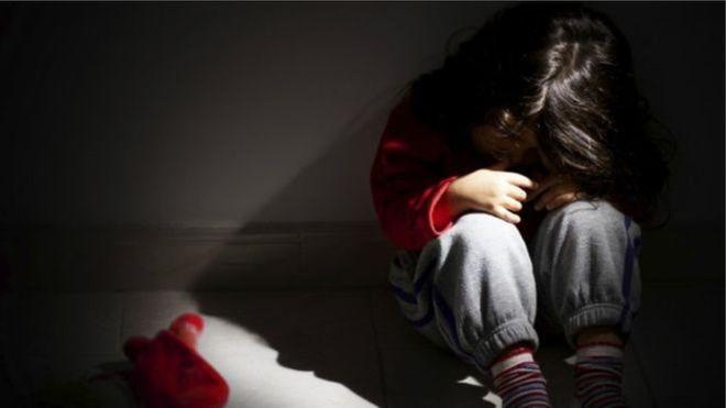 9 yaşlı uşaq atası tərəfindən zorakılığıa məruz qaldı - Bakıda