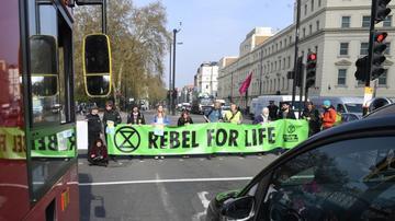 Londonda mitinqdə 400 nəfər həbs edildi