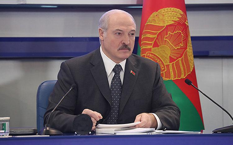 Lukaşenko yaxın adamını işdən çıxardı - FOTO