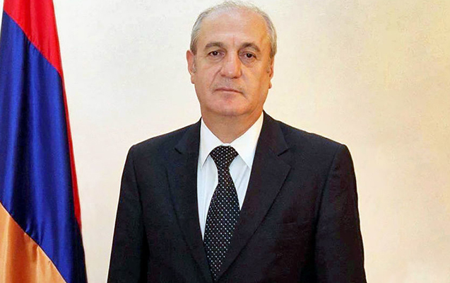 61 yaşlı erməni səfir öldü