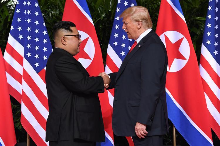 Tramp Şimali Koreya liderinə görüş təklif etdi
