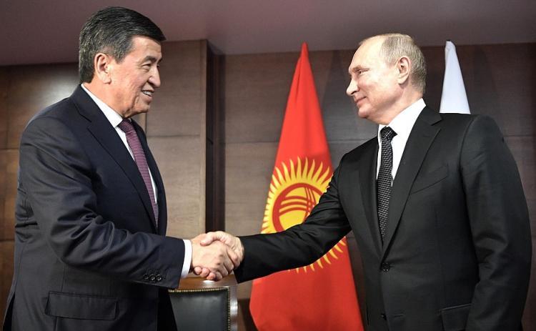 Putin Qırğızıstan Prezidenti ilə görüşdü