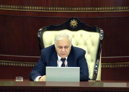 Oqtay Əsədov deputatlara