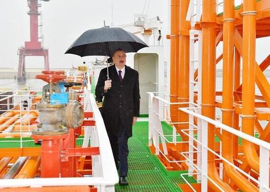 """""""Laçın"""" tankeri istismara verildi: Prezident mərasimdə -"""