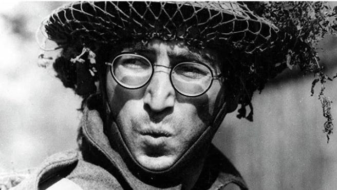 Con Lennonun eynəyi hərracda 183 min dollara satılıb