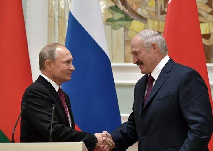 Lukaşenko Putinə zəng etdi