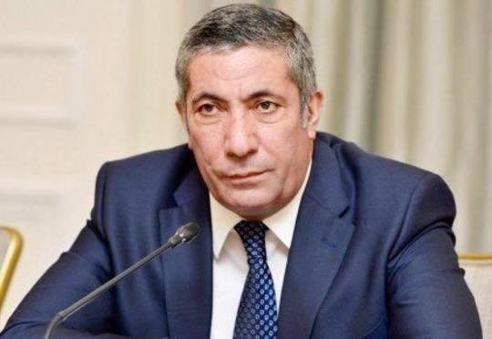 """""""63 yaşlı insan nə qədər daş daşımalıdır ki, gəlib 65 yaşına çatsın?!"""" - Deputat Siyavuş Novruzov"""